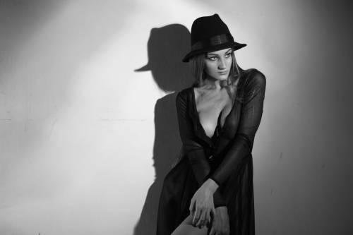Голая Ксюша Клеопова шикарно сверкает поразительной и знаменитой внешностью
